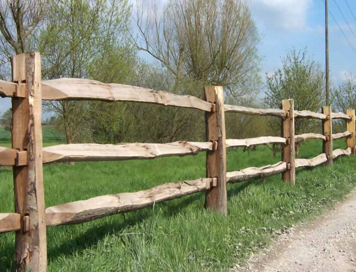 Chestnut paling fencing timber