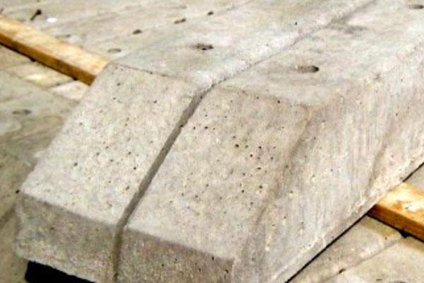 Concrete Spurs in Ashford