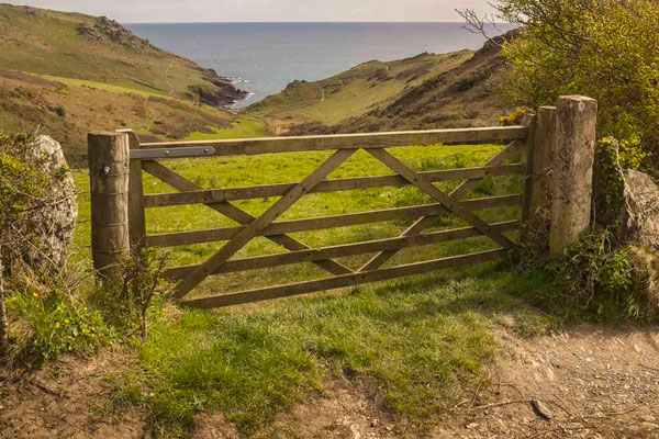 Five Bar Gates in Ashford Kent