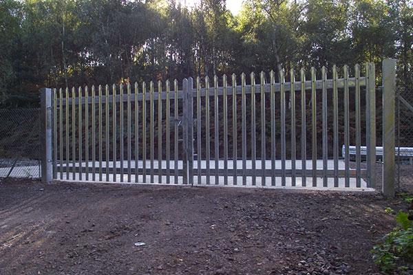 Railway Steel Palisade Fencing Installation